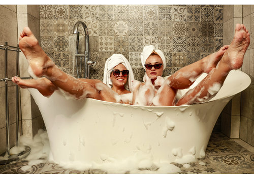 Dutch Art Explosion Bath time!