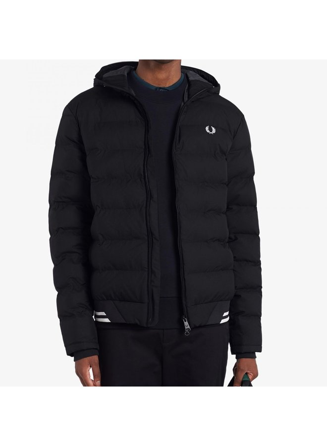 Hooded insulated jacket black