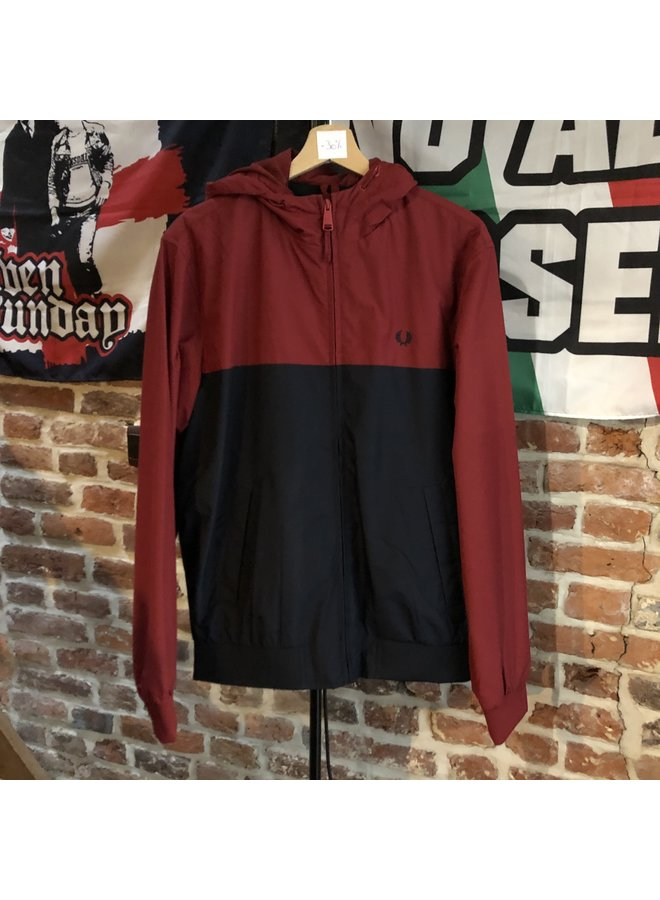 Hooded panelled jacket / rich red