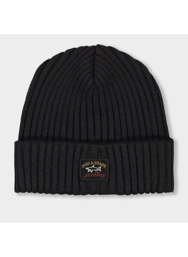Ribbed wool beanie with iconic badge - black