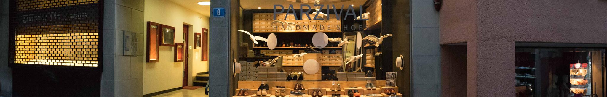 Schaufenster des Geschäfts Parzival Shoes in Zürich