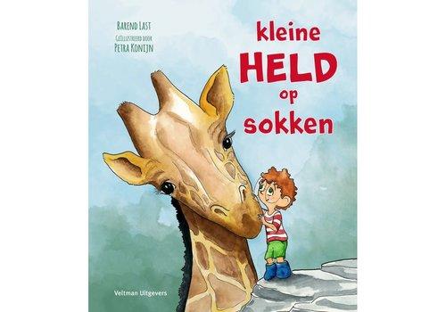 Veltman Uitgevers Kleine held op sokken