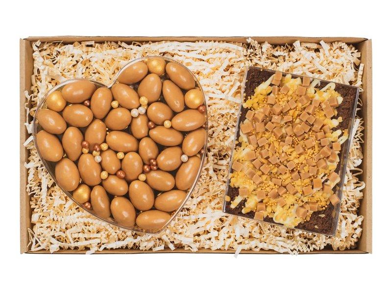 Giftset: Hart met karamel amandelen & karamel brownie