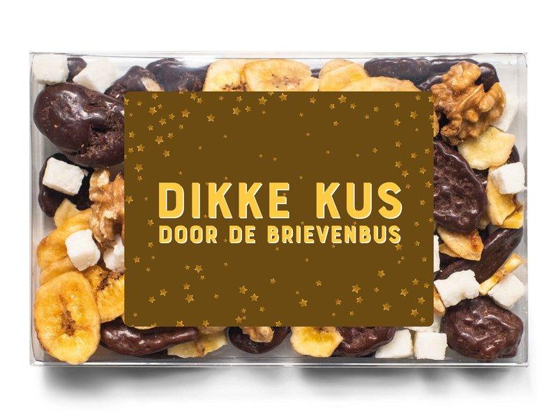 Doosje chocolade   Dikke kus door de brievenbus