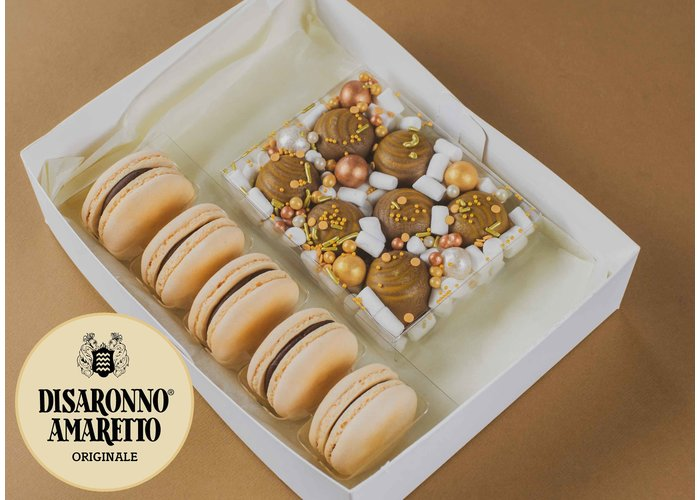 Cadeaupakket | Amaretto macarons & bonbons