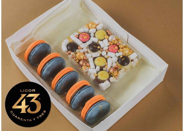 Cadeaupakket | Licor 43 macarons & bonbons