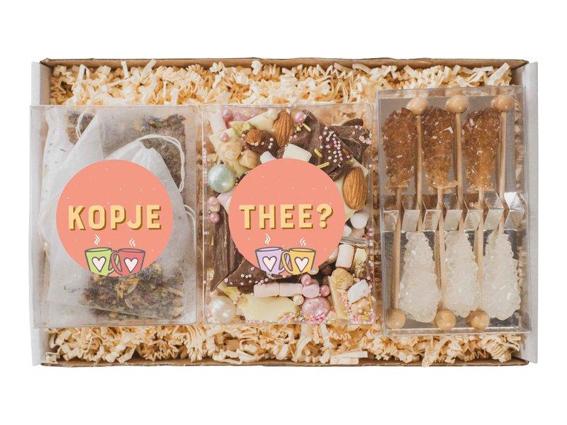 Cadeaupakket   Thee, breekchoco wit/melk & suiker sticks