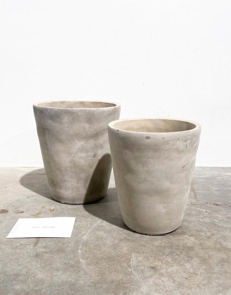 concrete pot konisch