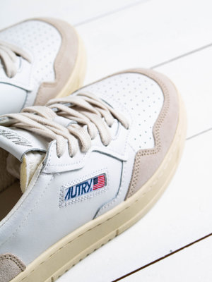 Autry Action Shoes Autry Action Shoes Medalist 01 Low Leather/Suede White/Navy