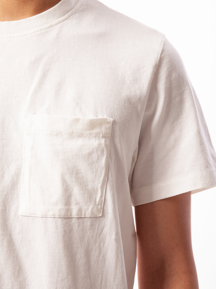 Nudie Jeans Nudie Jeans Roy One Pocket Tee Off White