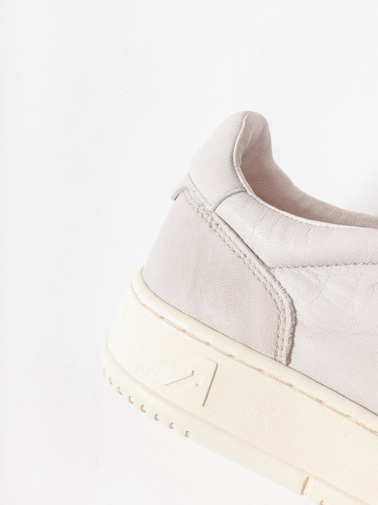 Autry Action Shoes Autry 01 Medalist Goat Leather Grey