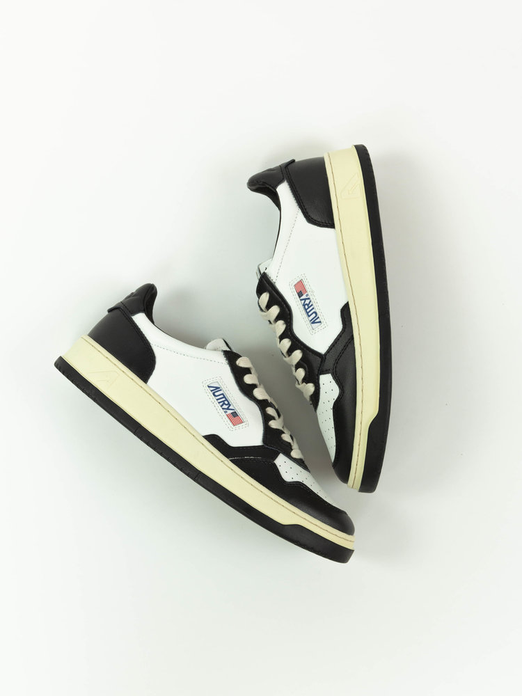 Autry Action Shoes Autry 01 Medalist Leather/Leather White/Black
