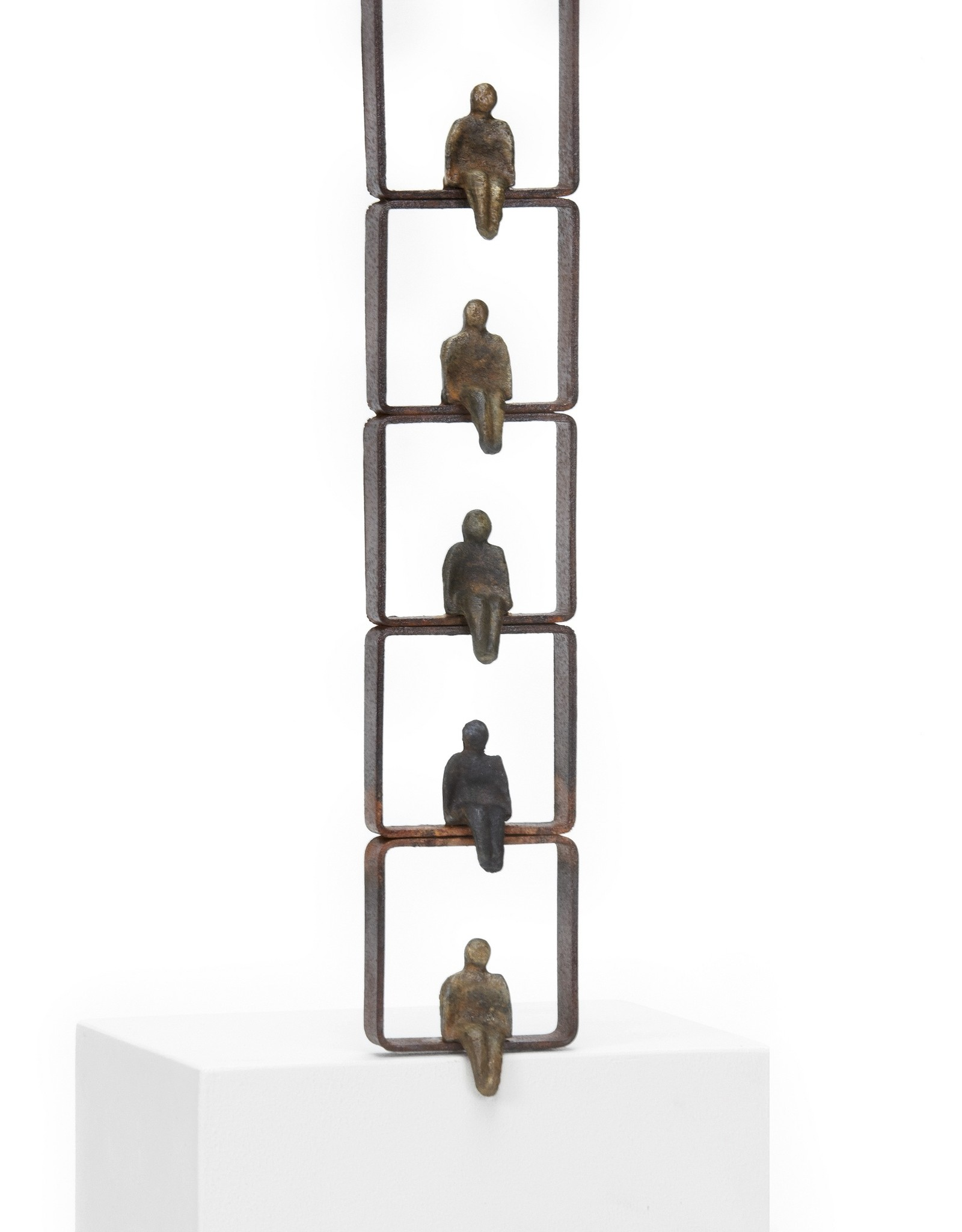 ERLI FANTINI THE WINDOW 40 - BRONZEN BEELD