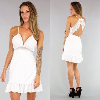 !OP=OP Weiß Plisseekleid mit gehäkelten Details