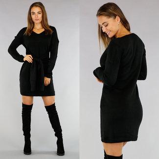 Schwarz gestrickte Pullover Kleid mit Knopfleiste
