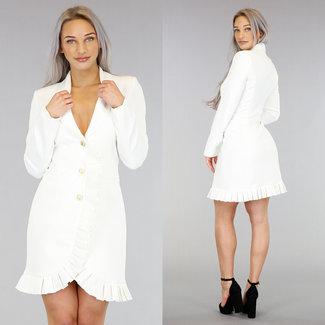 Weißer Blazer-Kleid mit Rüschen