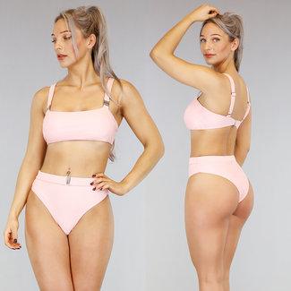 Hellrosa mit hohen Taille Bikini-Bügel