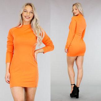 Orange, figurbetontes Kleid mit Reißverschluss