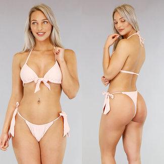 Hellrosa Triangel-Bikini mit Bögen