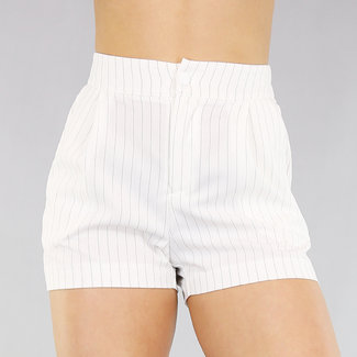 !OP=OP Kurze gestreifte Hose mit hohen Hüfte Weiß