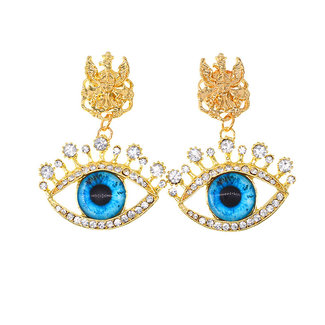 Goldene Ohrringe mit blauen Augen