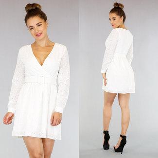 NEW2705 Süße weiße Stickerei-Kleid mit Gürtel