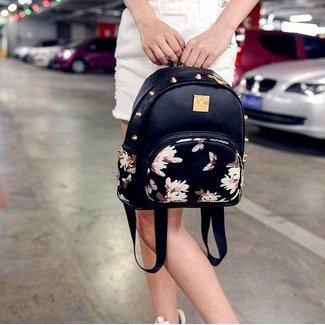 NEW1706 Schwarz Wetlook Mini-Rucksack mit Blumen
