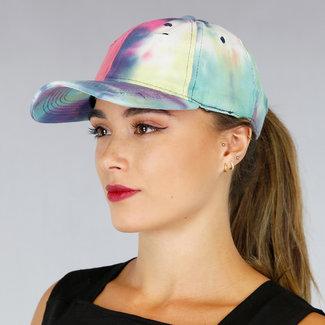 Beschädigte Abbindebatik Cap mit dunklen Farben