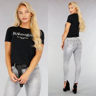 Basic Black T-Shirt mit Text
