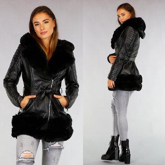 NEW0909 Padded schwarzer Leder-Look Jacke mit Kunstpelz