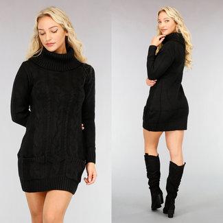 NEW2810 Pulloverkleid mit Zopfmuster und Taschen in Schwarz