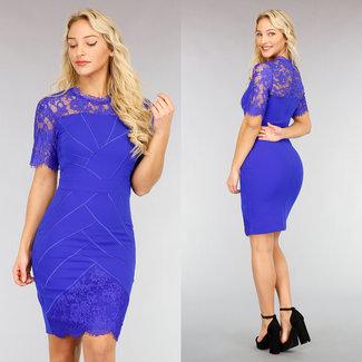 NEW2810 Nobles Blau, figurbetontes Kleid mit Spitze
