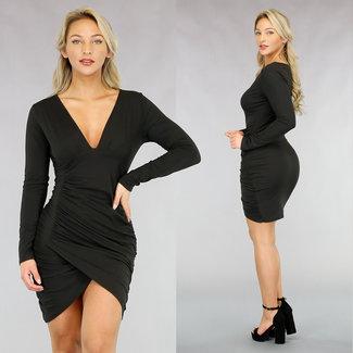 Langärmeliges, figurbetontes Plissee-Kleid in Schwarz