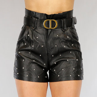 Schwarz-Leder-Blick Paperbag Short mit Nieten