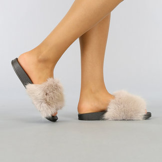 NEW1003 Schwarz Mega Fluffy Slippers mit beige Pelz