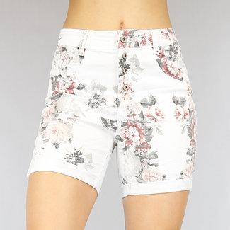 NEW2804 Weiße Jeans Shorts mit Blumendruck
