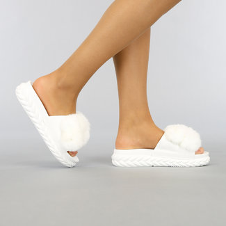 NEW2804 Weiß Fluffy Slippers mit Plateausohle