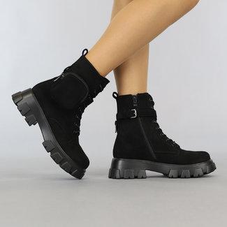 Black Suede-Look Stiefel mit Spitze Pouch