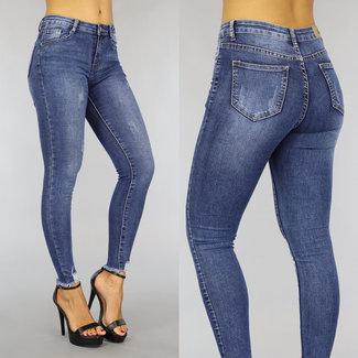 High Waist Jeans mit Kratzern und Wassing
