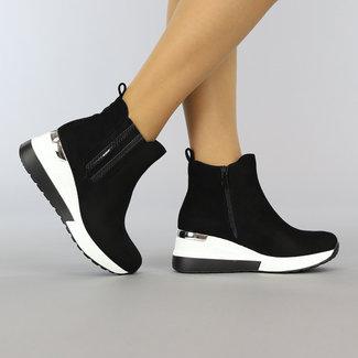 NEW2508 Black Suede-Look Boot mit Keil