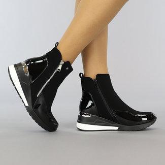 NEW3108 Schwarze Stiefel mit Keil und Lack-Details