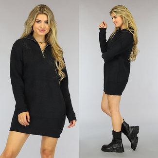 Schwarz gestrickter Pullover mit Reißverschluss