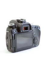 Canon Canon EOS-80D with charger