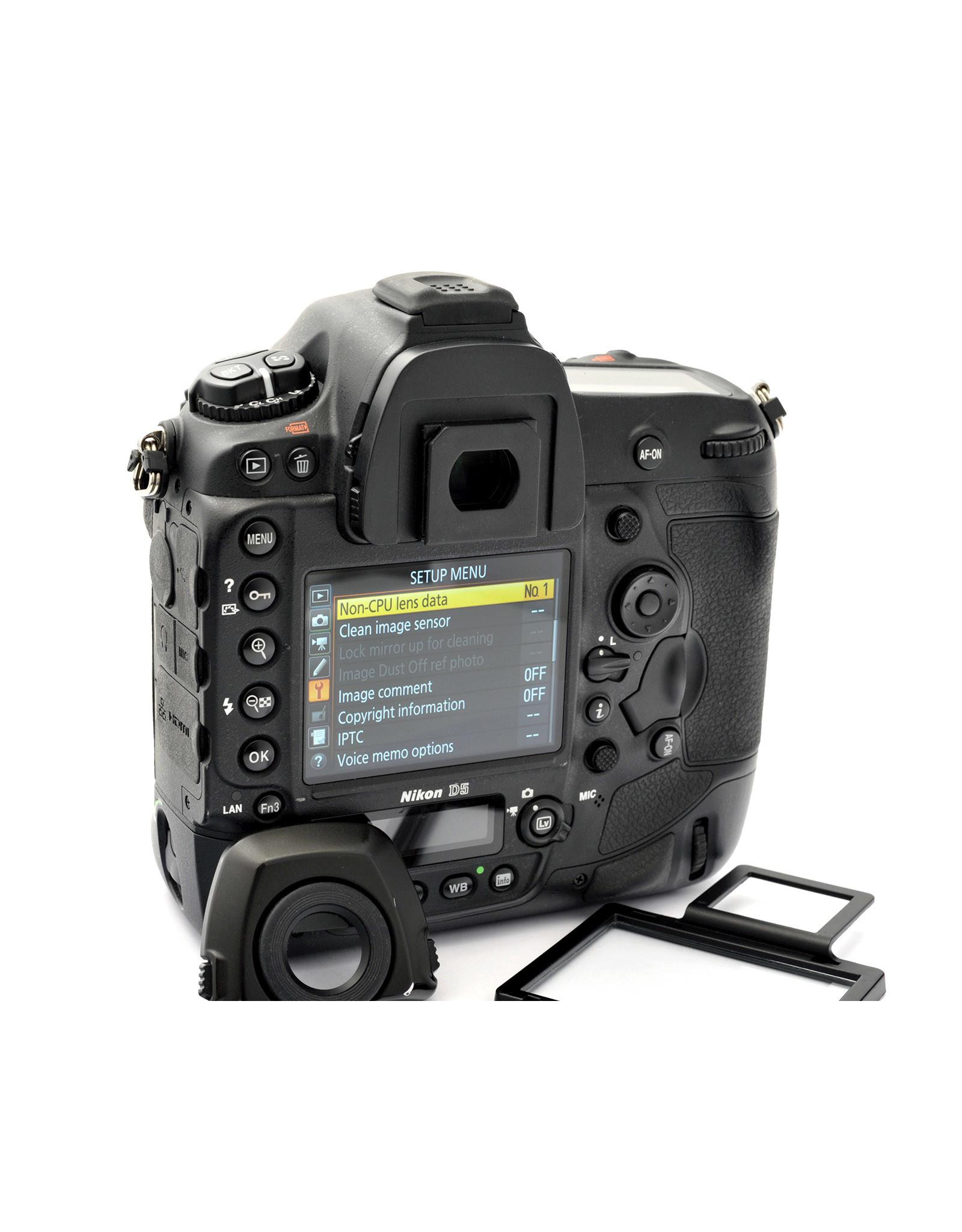 Nikon Nikon D5 (XQD) Body   AP1080711
