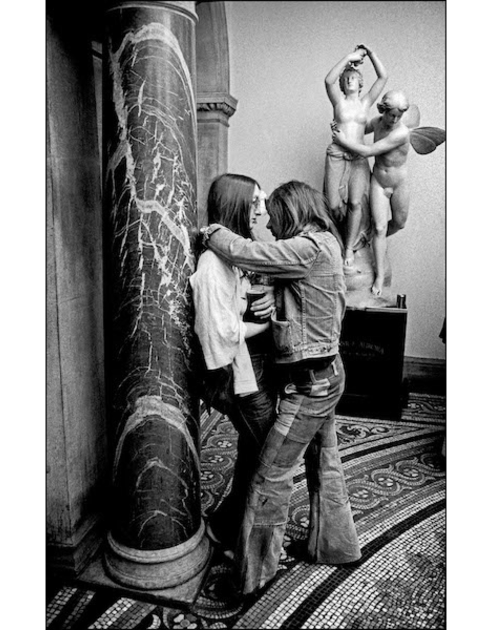 Ian Berry Young Couple in a Local Town Hall, London. Ian Berry (16)