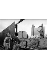 Ian Berry Children Playing on Deserted Ground, Docklands, London. Ian Berry (24)