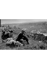 Ian Berry People Relaxing on the Hill in a Sunday Afternoon, Whitby, Yorkshire. Ian Berry (14)