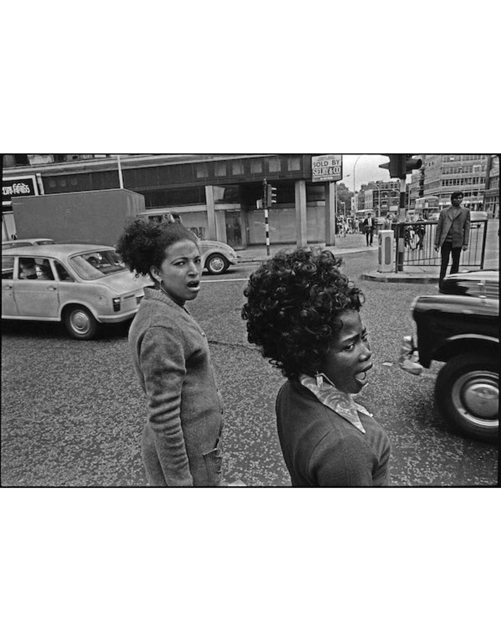 Ian Berry Young Women Crossing the Road, Whitechapel, London. Ian Berry (49)