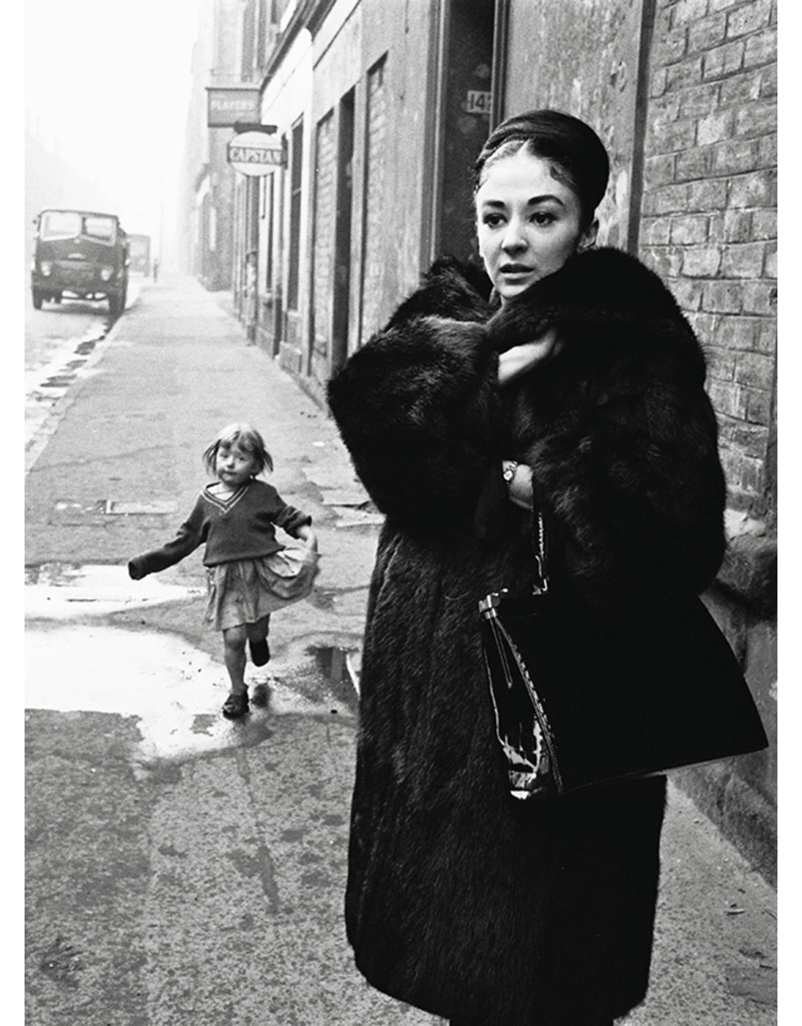 Colin Jones Colin Jones (27), Elizabeth Anderton, 1960