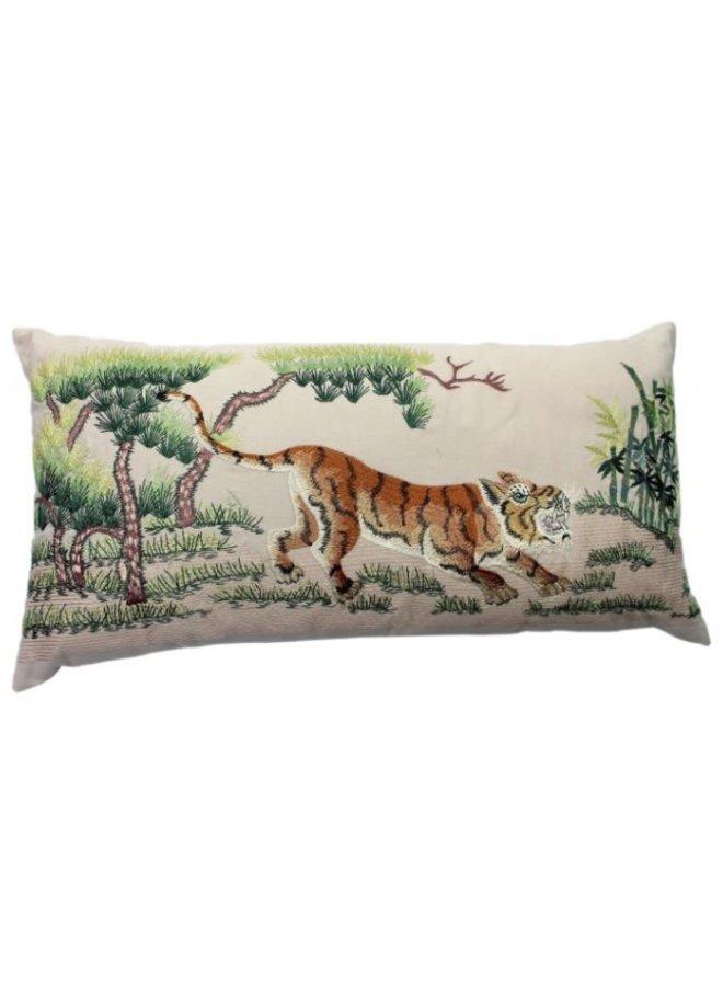 Crouching Tiger, Natural